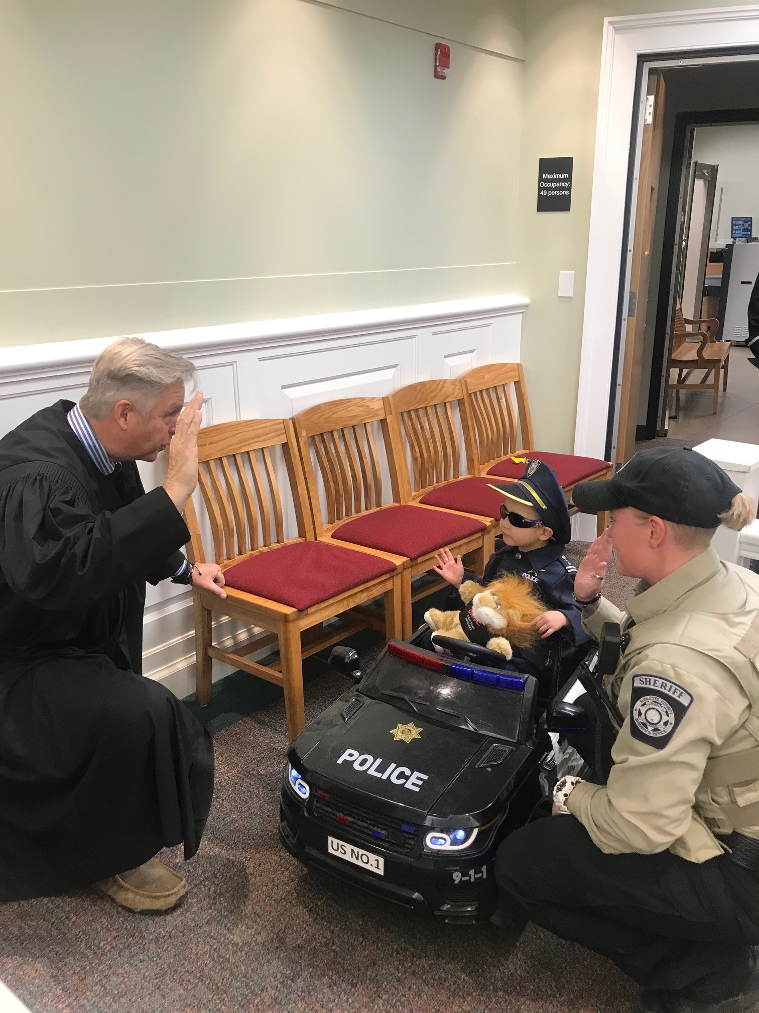 (Pinedale, Wyo – August 31st, 2021) SCSO swears in honorary junior Deputy in ceremony in Pinedale.